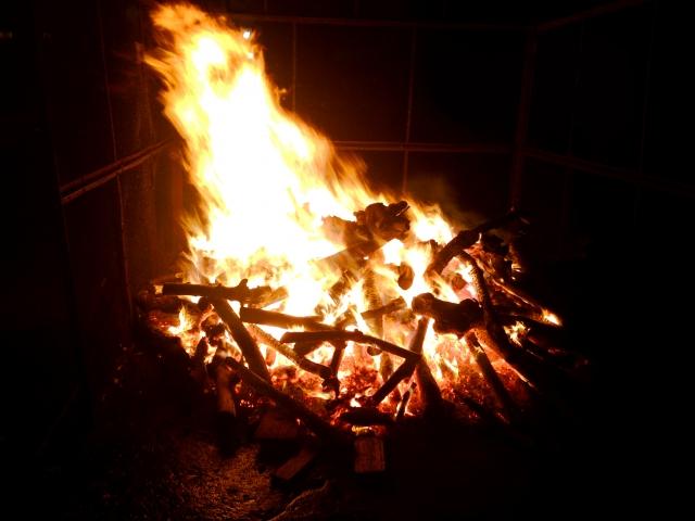 かがり火の写真