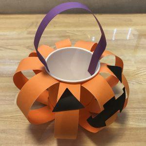 ハロウィンかぼちゃ画用紙で簡単手作りの写真